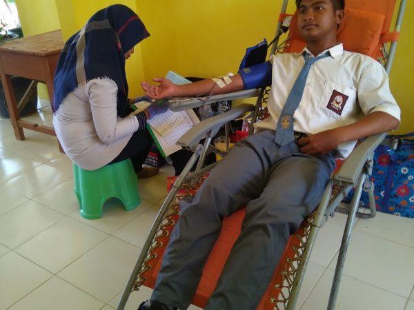 Kegiatan Donor Darah SMKN 1 Robatal
